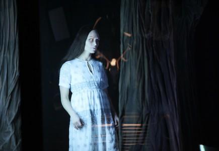 Horror - Jakop Ahlbom foto Sanne Peper