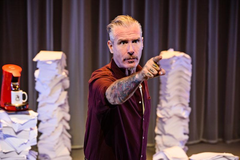 Ma Door Eric Corton Theaterkrant