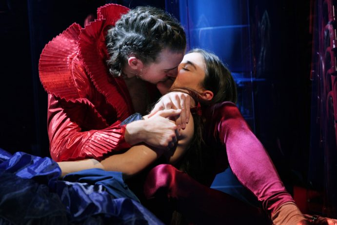 Citaten Uit Romeo En Julia : Romeo en julia door toneelgroep oostpool theaterkrant